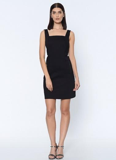 Sırt Dekolteli Mini Askılı Elbise-Que